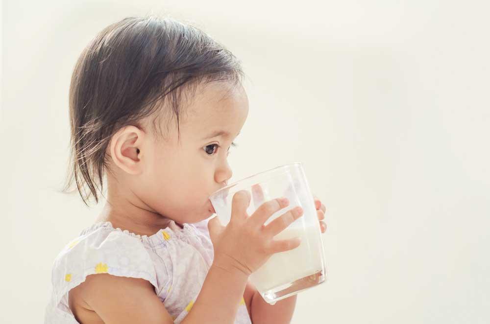 jangan bagi susu bila dekat waktu makan